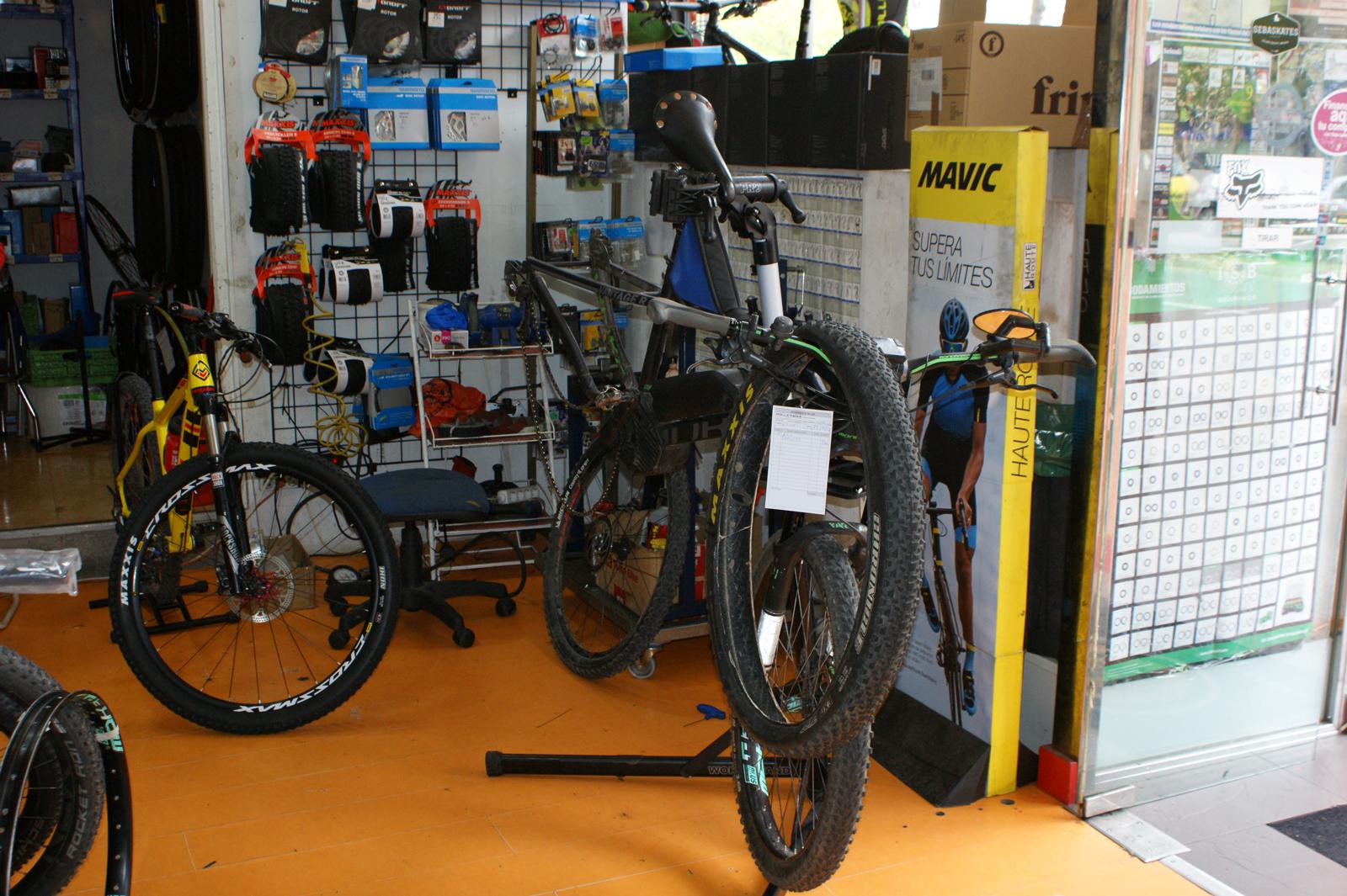 taller-de-reparacio-de-bicicletas-y-patines-en-logroño